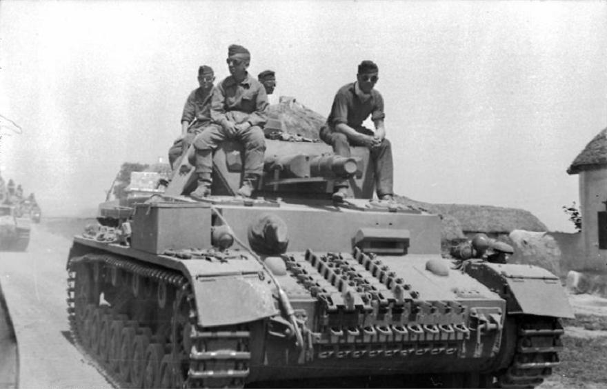 Bundesarchiv_Bild_101I-216-0445-18,_Russland-Mitte-Nord,_Panzer_IV.